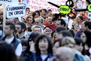 Foto de la manifestación de DRY publicada en El País (16/05/2011)